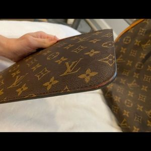 Louis Vuitton Bags - SOLD ON FB-Neverfull MM with pouch